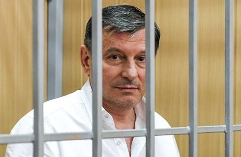 Ông Onischenko trong phòng cách ly tại tòa