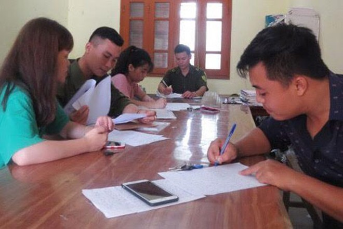 Tiếp công dân tại trụ sở công an xã