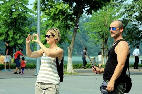 Lượng du khách đến Hà Nội tăng và Hà Nội đang trở thành điểm đến hấp dẫn