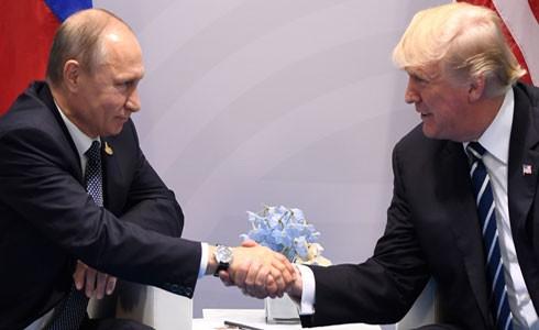 Tổng thống Nga Vladimir Putin và Tổng thống Mỹ Donald Trump tại Hội nghị thượng đỉnh G20 (Đức)