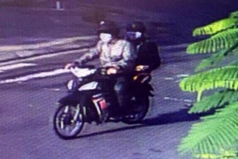 Cặp đôi cướp tiền vàng ở Phú Yên đeo khẩu trang, đi xe máy trộm cắp để gây án