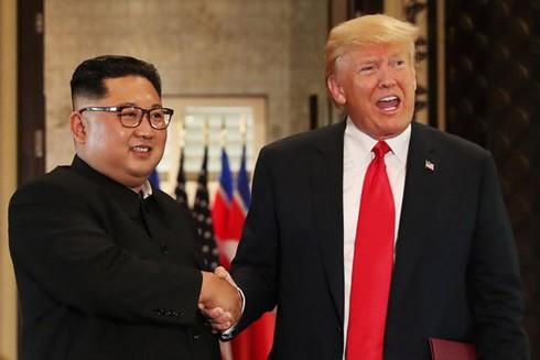 Cuộc gặp đầu tiên và lịch sử giữa Tổng thống Mỹ và nhà lãnh đạo Triều Tiên