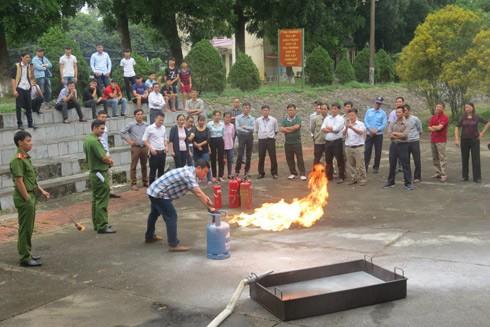 Cảnh sát PCCC hướng dẫn cách xử lý đám cháy do hở hơi gas
