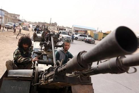 Xung đột giữa quân Chính phủ và các phe phái vũ trang ở Libya đang đẩy quốc gia Bắc Phi đến bờ vực của một cuộc nội chiến