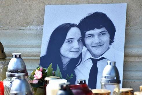 Khu tưởng niệm nhà báo Jan Kuciak và vị hôn thê Martina Kusnirova tại Quảng trường tự do ở Skalica, Slovakia