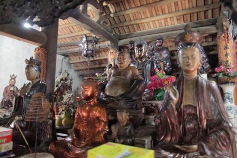 Những pho tượng cổ độc đáo của chùa Mía