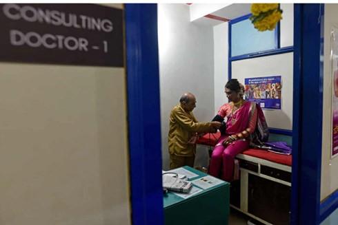 Câu chuyện ở phòng khám HIV/AIDS đầu tiên cho cộng đồng người đồng tính ở Ấn Độ ảnh 1