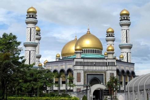 Thánh đường Jame Assr Hassanil Bolikah Mosque sử dụng 5 tấn vàng để trang trí