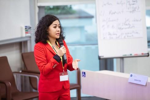 Phó Tổng Giám đốc Tập đoàn Tân Hiệp Phát - chị Trần Uyên Phương - là gương mặt quen thuộc xuất hiện tại các sự kiện chia sẻ về quản trị, khởi nghiệp, với khả năng truyền cảm hứng mạnh mẽ