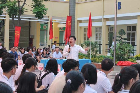 Học sinh trường THPT Yên Hòa, Hà Nội trong buổi học đặc biệt về giá trị của ước mơ và khát vọng