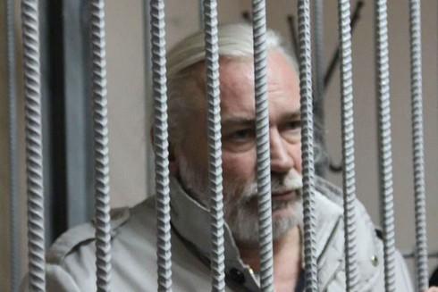 Nikolai Stremsky trong phòng cách ly tại tòa