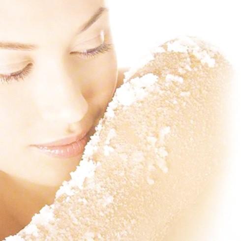 Tác dụng không ngờ của muối tắm với sức khỏe phụ nữ