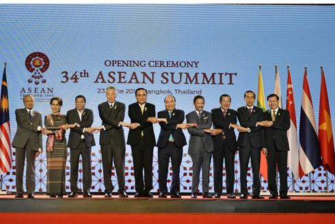 """Các thành viên ASEAN đoàn kết chung sức và đồng lòng sẽ tạo thành sức mạnh to lớn của """"Bó đũa"""" ASEAN"""