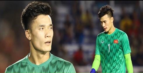 """Chàng thủ môn Bùi Tiến Dũng của U22 Việt Nam nhanh chóng nhận lỗi trong trận gặp Indonesia ở SEA Games 2019, để thoát khỏi """"gạch, đá"""" của dư luận"""