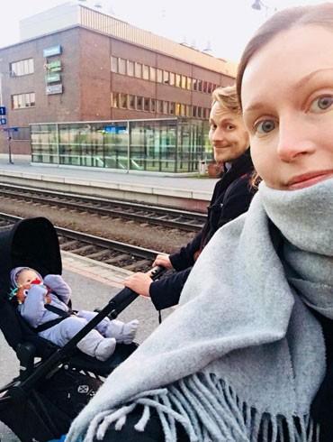 Nữ Thủ tướng xinh đẹp của Phần Lan bên gia đình nhỏ của mình