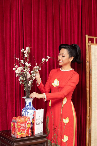 Trần Uyên Phương là tác giả người Việt đầu tiên và duy nhất hiện nay viết về doanh nghiệp Việt Nam được phát hành ở Mỹ