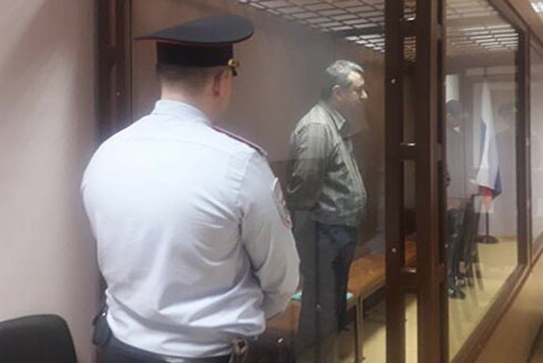 Krokhin trong phòng cách ly tại tòa