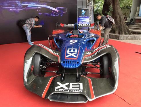 Siêu xe điện F1 xuất hiện tại Festival Tuổi trẻ sáng tạo diễn ra giữa tháng 10 vừa qua tại Hà Nội