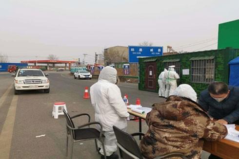 """Những """"chiến binh"""" trên tuyến đầu chống virus Corona ở Trung Quốc"""