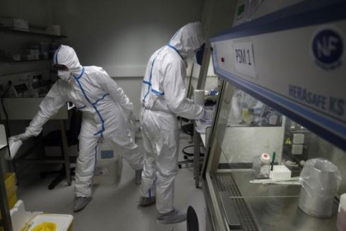 Các nhà khoa học Trung Quốc vừa tạo ra bộ kit mới giúp chẩn đoán nhanh và chính xác các ca nhiễm Covid-19
