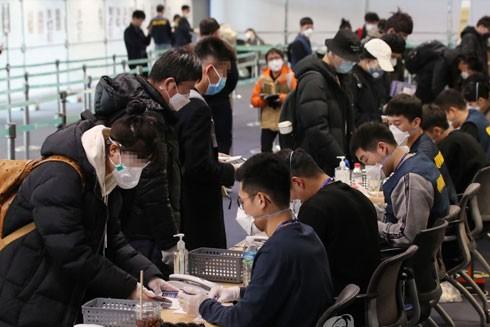 Khoảng 10.000 sinh viên Trung Quốc nhập cảnh Hàn Quốc trong tuần này để tiếp tục kỳ học mùa xuân
