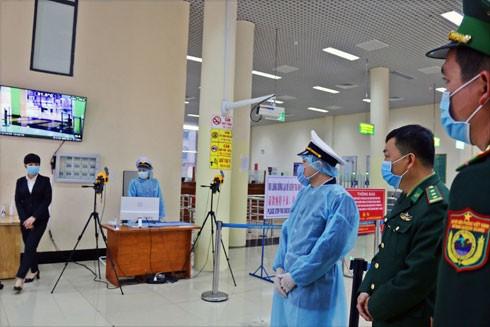 Cửa khẩu Quốc tế Móng Cái những ngày căng thẳng chống dịch thường trực công tác giám sát của Bộ đội Biên phòng - Ảnh: T.T.H