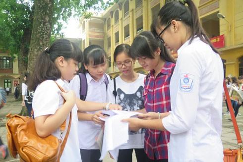 Hà Nội: Phụ huynh chờ đợi lịch và hướng dẫn ôn thi lớp 10