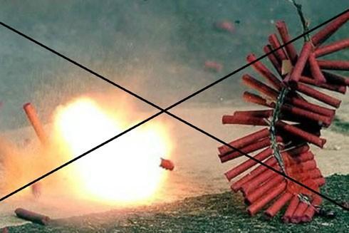 Pháp luật nghiêm cấm hành vi của cá nhân đốt các loại pháo nổ, pháo hoa, trừ việc bắn pháo hoa do tổ chức, địa phương thực hiện (Ảnh minh họa)