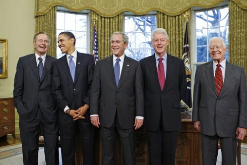 5 cựu Tổng thống Mỹ cùng gặp nhau tại Nhà Trắng trong một sự kiện năm 2009