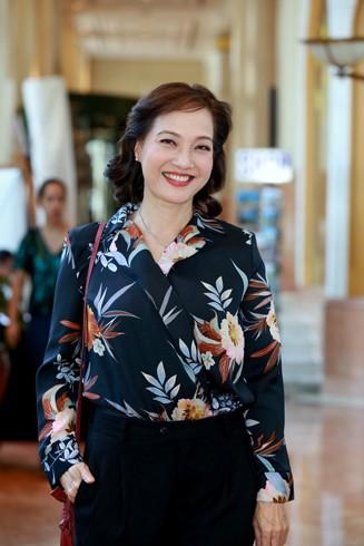 Nghệ sĩ nhân dân Lê Khanh: Tôi không đủ can đảm để bước chân vào thẩm mỹ viện