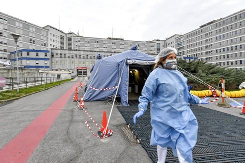 Bệnh viện dã chiến ở Italia được lập để cứu chữa bệnh nhân Covid-19