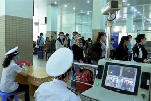 Kiểm dịch y tế hành khách nhập cảnh qua cửa khẩu Mộc Bài, Tây Ninh