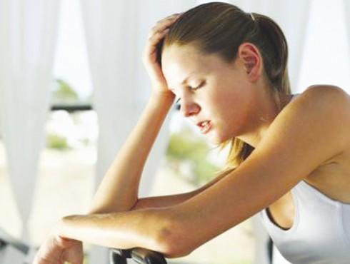 Khi ốm, mệt mỏi, bạn không nên cố gắng tập thể dục sẽ gây hại sức khỏe