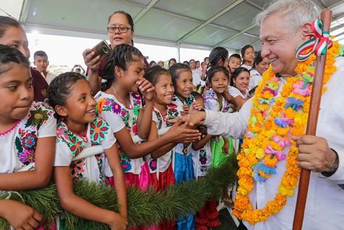 """Tổng thống Brazil Jair Bolsonaro (ảnh trên) và Tổng thống Mexico Andres Manuél Lopez Obrador vẫn """"nêu gương xấu"""" về phòng chống đại dịch Covid-19"""