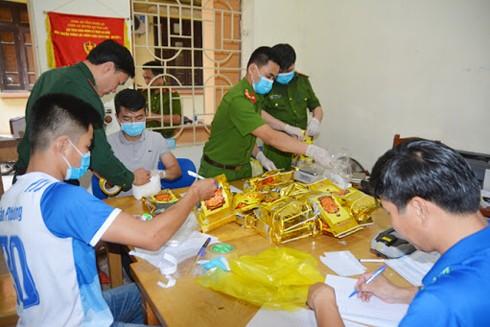 Thiếu tá Đinh Thị Huyền Diệu và đồng đội đã phá nhiều vụ án ma túy phức tạp