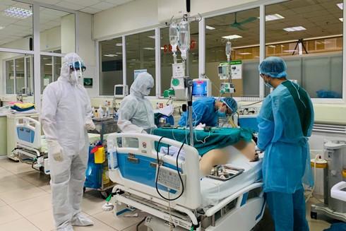 Việt Nam đã huy động các nguồn lực tập trung cứu chữa tất cả các ca bệnh Covid-19 nặng nhất