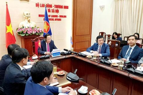 Bộ trưởng Đào Ngọc Dung phát biểu tại hội nghị trực tuyến các Bộ trưởng ASEAN phụ trách phúc lợi xã hội và phát triển