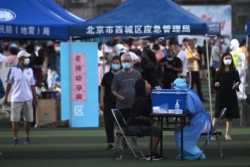 Số ca nhiễm trong đợt bùng phát mới ở Trung Quốc đã lên tới hơn 100 người, chủ yếu ở Thủ đô Bắc Kinh