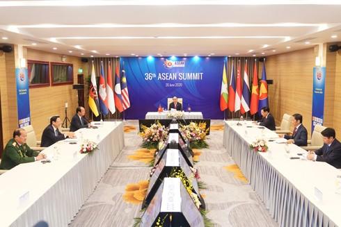 Thủ tướng Nguyễn Xuân Phúc, Chủ tịch ASEAN 2020 chủ trì Phiên toàn thể Hội nghị Cấp cao ASEAN lần thứ 36
