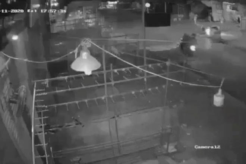 Hình ảnh các đối tượng phóng chạy sau khi bắn nạn nhân M