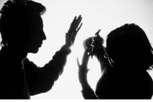 Hành vi cưỡng ép quan hệ tình dục là một trong những hành vi bạo lực gia đình (Ảnh minh họa)