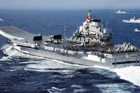 Biên đội tác chiến tàu sân bay Liêu Ninh của Trung Quốc trong cuộc tập trận ở Biển Đông