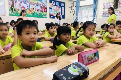 Năm học mới nhiều trường học ở Hà Nội vẫn quá tải sĩ số học sinh