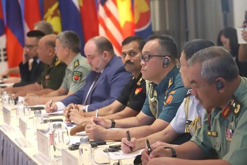 Đại diện các quốc gia tại đầu cầu Hà Nội tham dự Hội nghị trực tuyến chính sách an ninh diễn đàn khu vực ASEAN