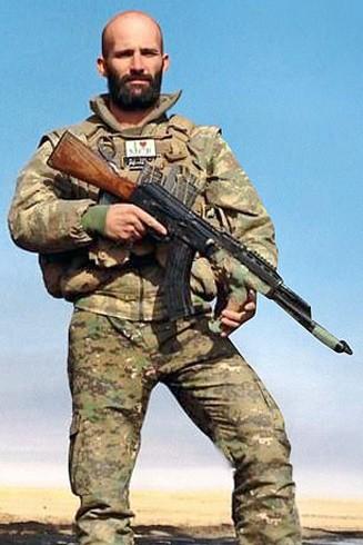 Daniel Burke từng tham gia chiến đấu cùng đội quân người Kurd tiêu diệt IS ở Syria