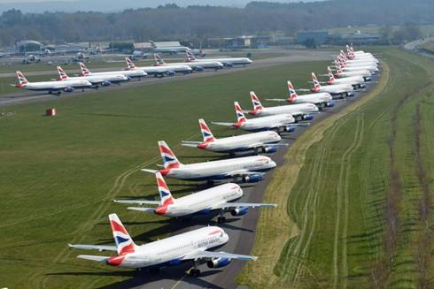 Khu vực đỗ tại sân bay Bournemouth, Anh chật ních máy bay của hãng hàng không British Airways
