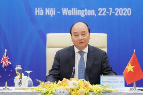Thủ tướng Nguyễn Xuân Phúc tại đầu cầu Hà Nội