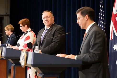 Mỹ, Australia kêu gọi giải quyết vấn đề Biển Đông theo luật pháp quốc tế ảnh 1
