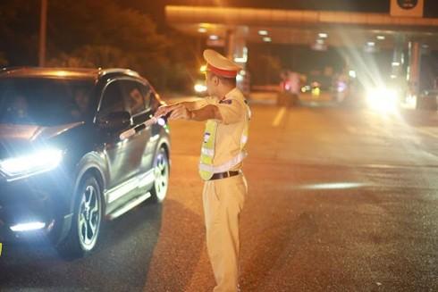Tăng cường kiểm tra, xử lý nghiêm hành vi vi phạm giúp phòng ngừa tai nạn, đảm bảo TTATGT