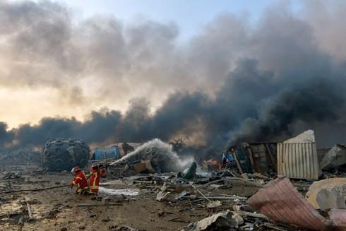 Nhiều người bị mắc kẹt dưới đống đổ nát sau vụ nổ